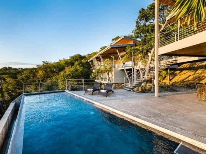 Villa de lujo con piscina infinita
