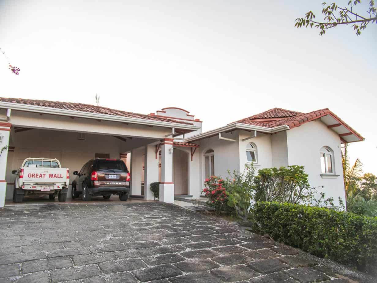 Beautiful House for sale close to Ciudad Colon