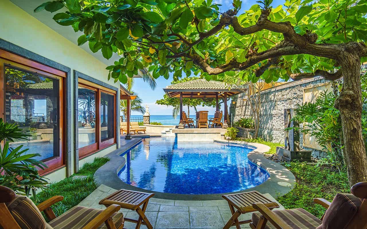 Beachfront Villa in Playa Langosta